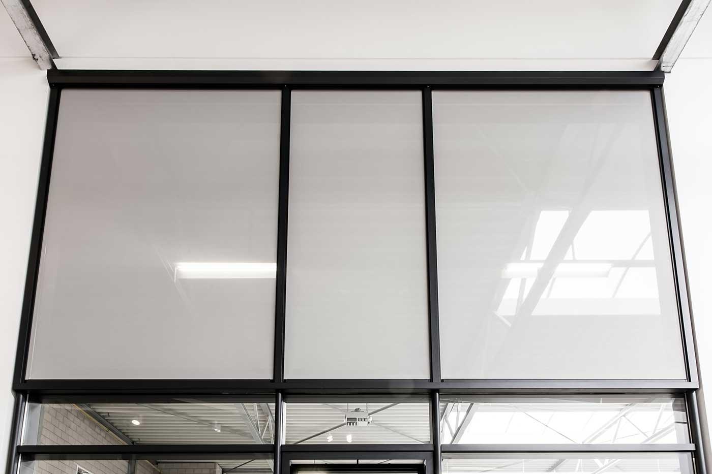 Heroal ZIP-Screen integrert i fasade