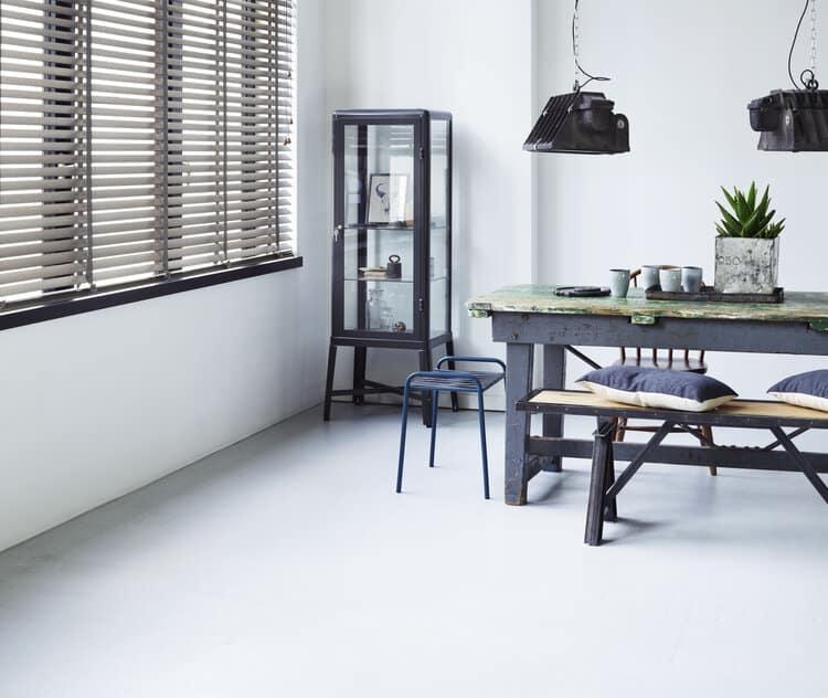 Persienner passer godt inn i stramme og minimalistiske hjem