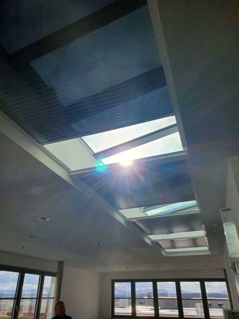 bevegelig solskjermingsfilm for takvindu